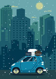 Retro bil för vektor med husbakgrund Moderiktig plan design för turism Royaltyfria Bilder