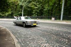 Retro bil på den Leopolis granda prixen 2013 Royaltyfri Foto