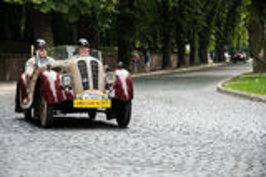 Retro bil på den Leopolis granda prixen 2013 Royaltyfria Foton