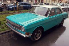 Retro bil Volga Arkivfoto