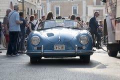 Retro bilar Mille Miglia för berömt lopp Arkivbilder