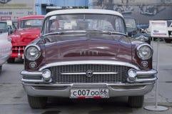 Retro bilBuick århundrade Royaltyfria Foton