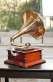 Retro- Bild des alten Grammophons Stockbilder