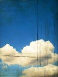 Retro- Bild des bewölkten Himmels Stockfotos