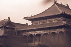 Retro- Bildart Traditioneller und der Architektur der chinesischen Art Tempel bei Wat Mangkon Kamalawat Stockbild
