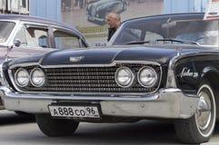 Retro bilFord Fairlane 500 frigörare 1960 Arkivbilder