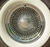Retro bilgummihjul arkivbild
