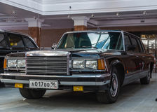 Retro billimousine, utställningshistoriemuseum, Ekaterinburg, Ryssland, 06 09 2014 år Arkivbilder