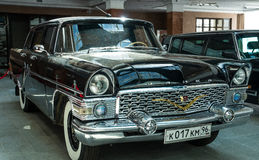 Retro billimousine, utställningshistoriemuseum, Ekaterinburg, Ryssland, 06 09 2014 år Royaltyfri Bild