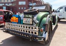 Retro bilPackard cabriolet 1934 år Arkivbilder