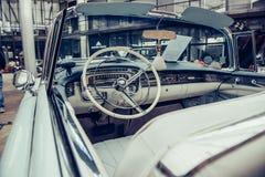 Retro binnenland van oude auto Royalty-vrije Stock Afbeeldingen
