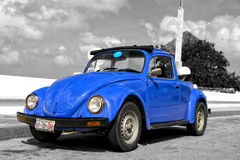 Retro- blaues Auto Lizenzfreie Stockfotos