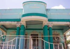 Retro blauwe villa in Cuba Royalty-vrije Stock Afbeelding