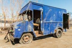 Retro blauwe vrachtwagen Royalty-vrije Stock Foto