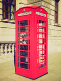 Retro- Blick London-Telefonzelle Stockfotos