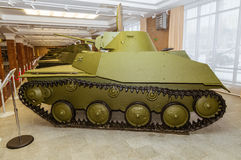 Retro bojowy pojazdu pancernego eksponata militarnej historii muzeum, Ekaterinburg, Rosja, 05 03 2016 rok Obraz Royalty Free