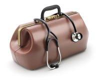 Retro- braune lederne Doktor ` s Tasche mit dem Stethoskop Stockfoto
