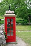 Retro cabina telefonica inglese fotografia stock libera da diritti