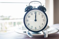 Retro chronometer om op plaat te zetten Gewichtsverlies voor goede Gezond D stock afbeeldingen