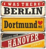Retro cyna znaka kolekcja z Niemieckimi miastami ilustracji