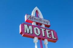 Retro designmonterey motell royaltyfri bild
