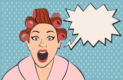Retro donna della brunetta che grida Immagini Stock Libere da Diritti