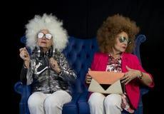 Retro- DoppelPartei flippige Großmutter DJ lizenzfreies stockbild