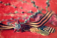 Retro effekt på medaljsammansättning från stort patriotiskt krig arkivbild