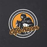 Retro emblema del motociclo sul fondo scuro di lerciume Immagine Stock Libera da Diritti
