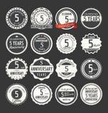Retro emblemsamling för årsdag, 5 år Arkivfoto