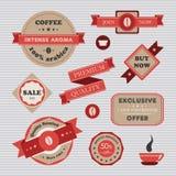 Retro etichette, distintivi ed insegne d'annata del caffè messi illustrazione vettoriale