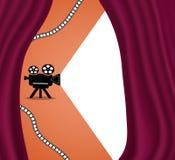 Retro filmprojector, achtergrond met ruimte voor tekst Rood gordijn van het theater of de bioskoop Vector stock illustratie