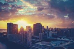 Retro filtrerad Hawaii Cityscape arkivbild