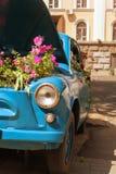 Retro flover blu di spirito dell'automobile Immagini Stock