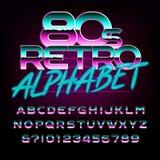 retro fonte di alfabeto di 80 ` s Lettere e numeri di effetto del metallo Immagine Stock