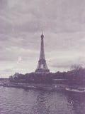 Retro foto med paris, Frankrike, tappning royaltyfri foto
