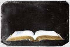Retro fotografia d'annata di una bibbia Fotografia Stock Libera da Diritti