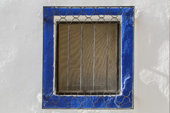 Retro fotografia okno z starą kratownicą w rocznik ścianie Obrazy Stock