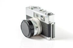Retro- Fotokamera lokalisiert auf Weiß: Beschneidungspfad Stockbilder