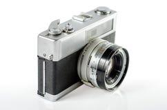 Retro- Fotokamera lokalisiert auf Weiß: Beschneidungspfad Lizenzfreie Stockfotografie