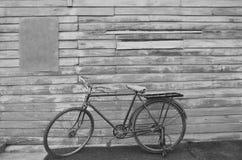 Retro gammal cykel Arkivbild