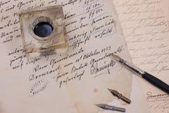 retro gammal paper penna för åldrigt färgpulver Royaltyfria Bilder