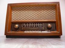 retro gammal radio Arkivfoton