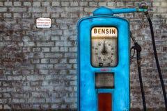 Retro- Gas-Pumpe Lizenzfreie Stockbilder