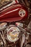 Retro gestileerd beeld van de motor en brandstoftank van een klassieke Harl Stock Foto