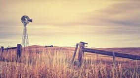 Retro gestileerd plattelandslandschap bij zonsondergang, de V.S. royalty-vrije stock foto