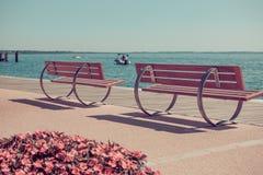 Retro---getonte Ansicht über Garda See Stockfotos