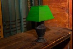Retro grön lampa royaltyfria foton