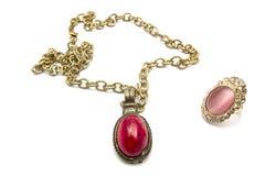 Retro halsband en ring stock afbeeldingen
