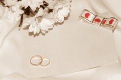 Retro- Hochzeitskarte. Lizenzfreie Stockfotografie
